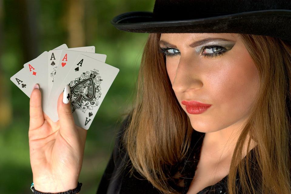 kaip zaisti pokeri